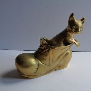 Vintage English Brass Kitty in Boot ADORBS!